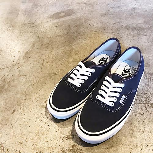 CAPTAINS HELM Delivery – VANS  AUTHENTIC 44 DX (ANAHEIM FACTORY) -SUEDE OG  NAVY d77b83121b